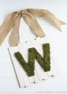 moss-monogram-hanging-sign